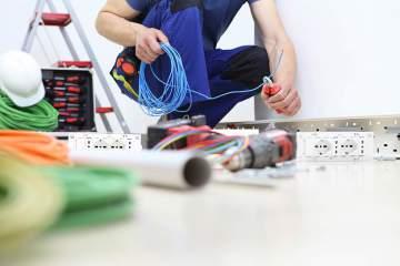 Electricien expert en pose de tableau électrique à Saint-Sulpice